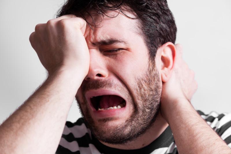 Emotionen weinender Mann
