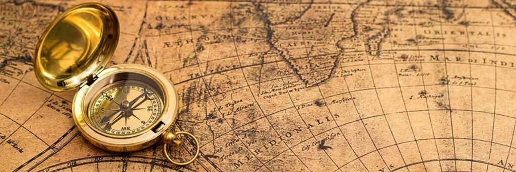 alter-kompass-mit-karte