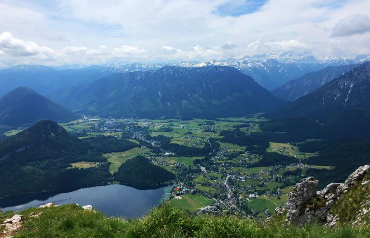 blick-vom-gipfel-über-alpen